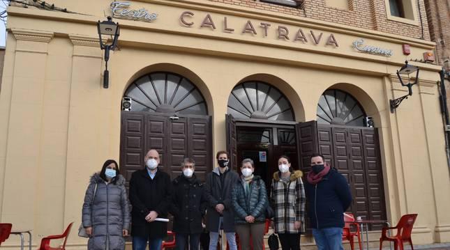 Parlamentarios de la Comisión de Cultura y Deporte han visitado el Teatro-Cinema Calatrava en Fitero