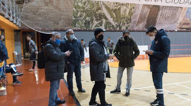 Miembros del Aspil el pasado 4 de enero, fecha en la que se aplazó el derbi.