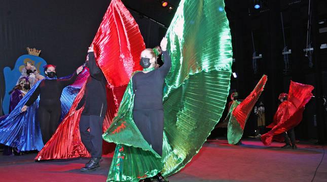 Una de las actuaciones que enmarcaron la recepción a los Reyes Magos en la casa de cultura.