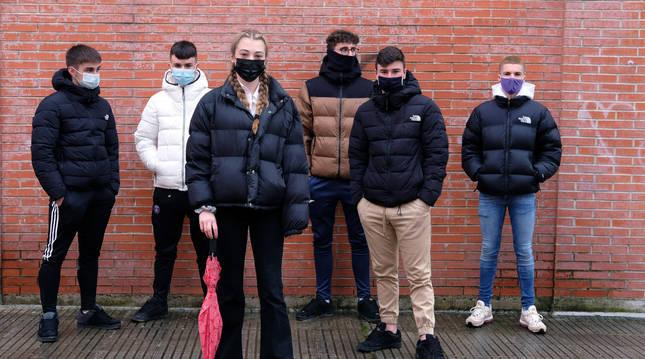 Foto de un grupo de jóvenes de 18 años, en Zizur.