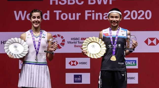 Carolina Marín y Tai Tzu-ying tras la final de las Finales del Circuito Mundial.