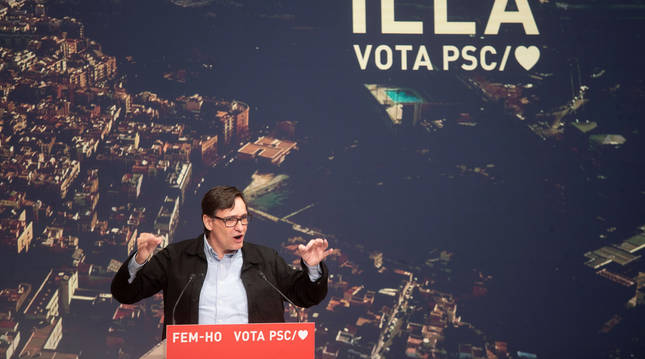 Foto del candidato del PSC a la Generalitat, Salvador Illa, en un acto de campaña.