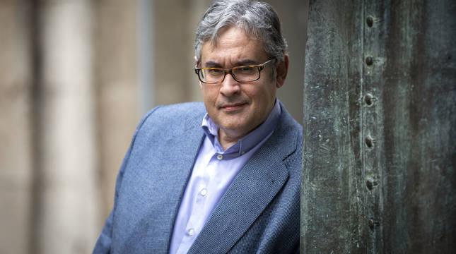 Juan Manuel de Prada Blanco fue Premio Planeta 1997 por La tempestad. En su última novela, Cartas del sobrino a su diablo, habla sobre la España que ha dejado la pandemia del coronavirus.