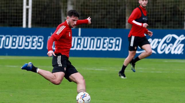 Jonathan Calleri, en una sesión de entrenamiento con Osasuna.
