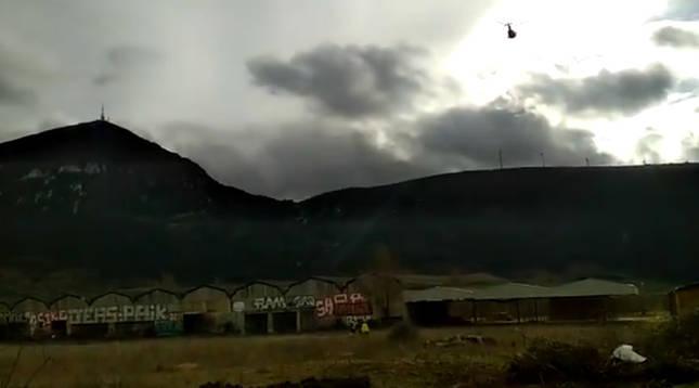 Rescate en helicóptero en el barranco de Diablozulo de la Higa de Monreal