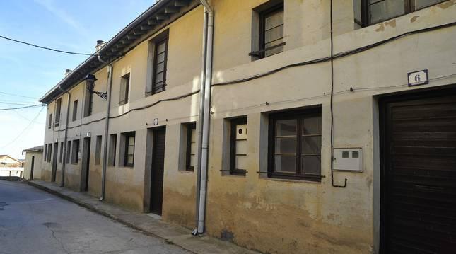 Imagen de las antiguas casas de los maestros de Ujué que se van a rehabilitar.
