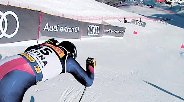 Adur Etxezarreta, de 25 años, a punto de iniciar el recorrido del Super Gigante en su segundo Mundial.