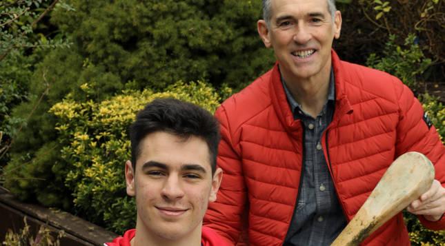 Óscar Inausti ha entrenado en el Club Tenis Pamplona toda su vida. Ahora su hijo,  Javier Insausti también compite con el club.