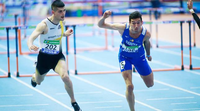 Asier Martínez superó en los últimos metros a su gran rival, Enrique Llopis.
