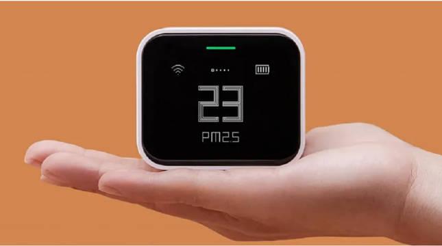 Un medidor de la calidad del aire, en este caso de la marca Xiaomi.