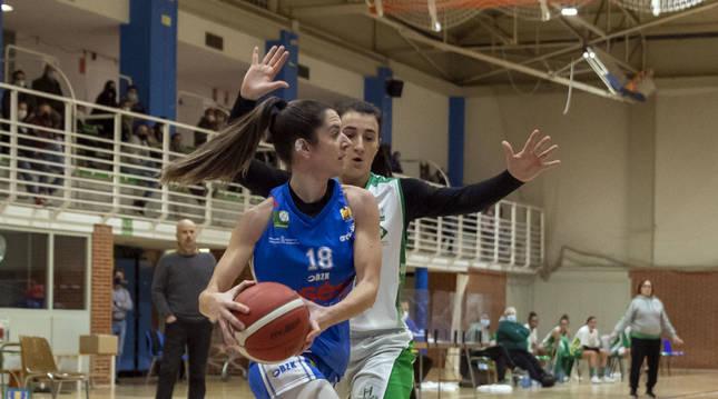 Andrea Tollar en el partido del pasado mes de diciembre ante el CB Arxil en Zizur Mayor.