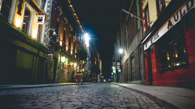 La calle más famosa de Irlanda, Temple Bar, durante el confinamiento.