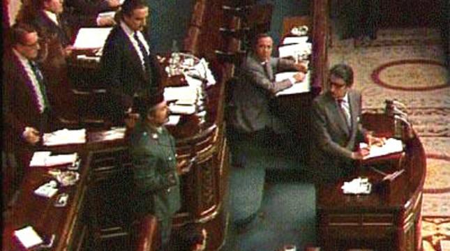 El teniente general Antonio Tejero, en el Congreso de los Diputados el 23-F.