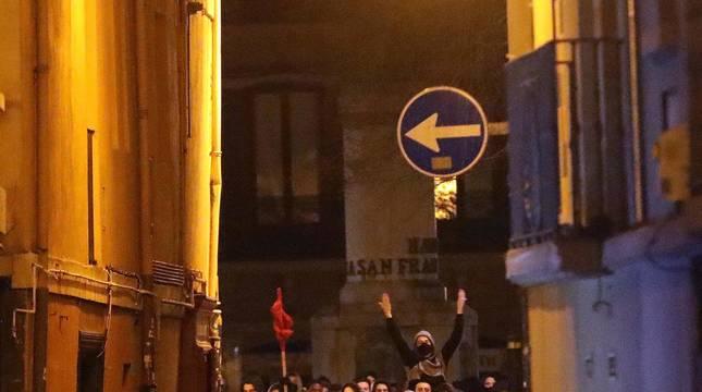 Imágenes de los disturbios tras la manifestación a favor de Pablo Hasel en Pamplona