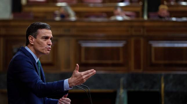 El presidente del Gobierno, Pedro Sánchez, interviene en el pleno del Congreso.