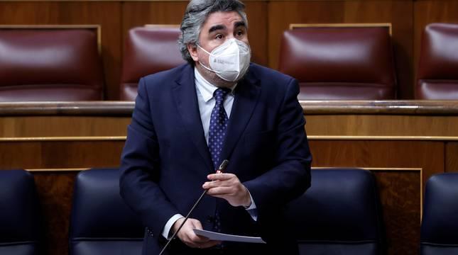 El ministro de Cultura, José Manuel Rodríguez Uribes, durante su intervención en la sesión de control al Gobierno celebrada este miércoles en el Congreso.