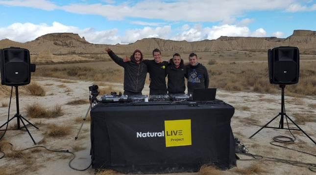 Cuatro DJ de Carcastillo crean un proyecto que mezcla Navarra y la música electrónica