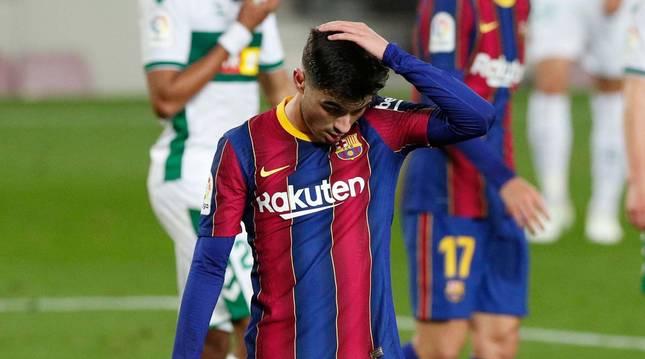Pedri, en el partido de Liga  del Barcelona ante el Elche.