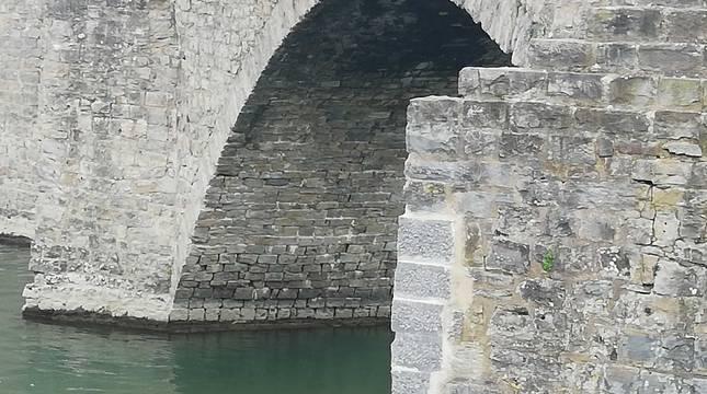 Fotos de la restauración del puente de Santa Engracia en Pamplona