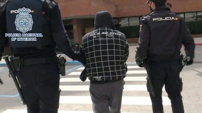 Detenido el presunto asesino a puñaladas de su expareja en Torrejón de Ardoz.