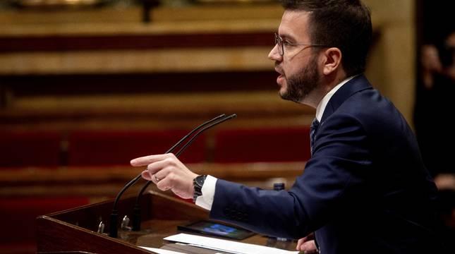 Aragonès, en el Parlament.