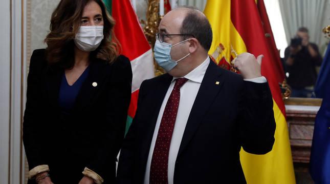 Olatz Garamendi, consejera de Gobernanza Pública y Autogobierno del Gobierno Vasco, y Miquel Iceta, ministro de Política Territorial y Función Pública.