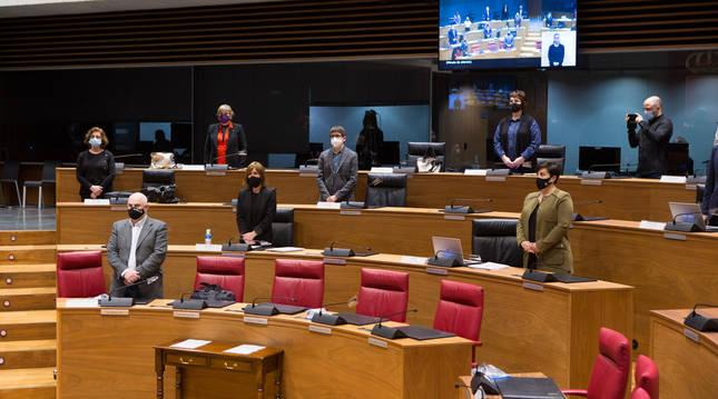 Minuto de silencio en el Parlamento de Navarra este jueves, 4 de marzo, por violencia de género y un accidente laboral mortal.