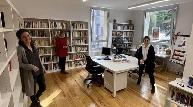 La Biblioteca de Mujeres de la Fundación IPES reinaugura su centro después de 36 años