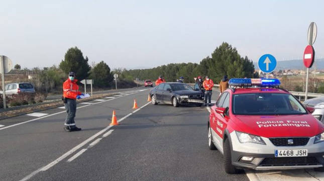 Cuatro heridos en una colisión en la N-121, en Olite