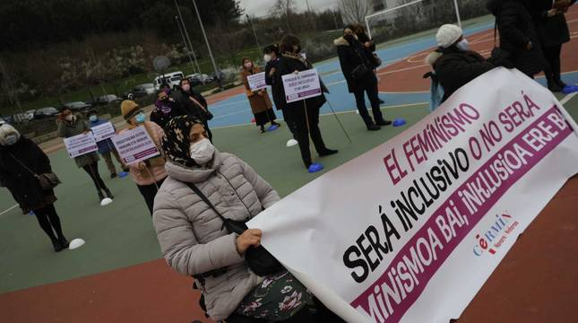 Las instituciones y diferentes colectivos de Navarra han organizado este lunes, 8 de marzo, diferentes actos para celebrar el Día Internacional de la Mujer.
