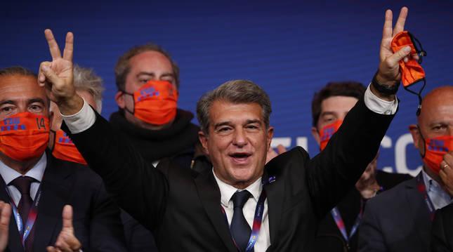 Joan Laporta, exultante tras la victoria en las elecciones a la presidencia del FC Barcelona.