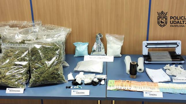 Material incautado en la operación de la Policía Municipal de Pamplona.