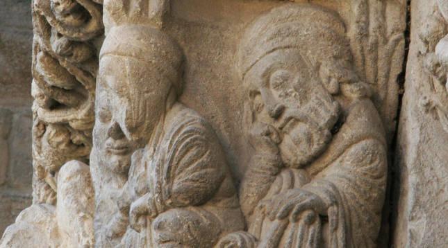 Sueño de san José en un capitel de la portada de San Miguel de Estella, fines del siglo XII.