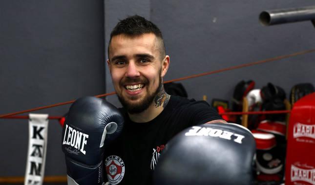 David 'Infierno' Soria entrena en el gimnasio Kanku de Burlada todos los días. El navarro lleva más de tres meses preparando el combate del sábado.