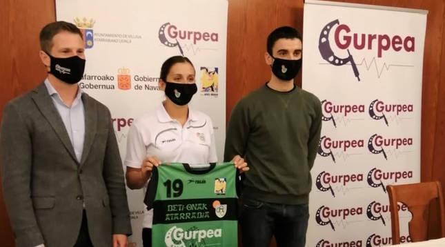 Acto de presentación de Macarena Sans por el Gurpea Beti Onak.