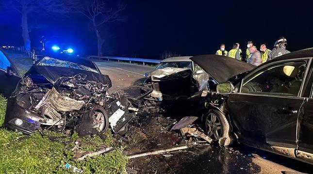 Estado en el que quedaron los tres automóviles implicados en la colisión.