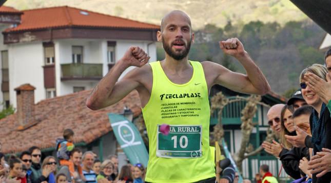 Ariznabarreta ha cruzado la meta primero en las últimas 6 ediciones de la Media Maratón de Bera.