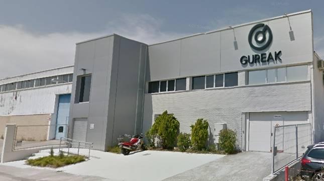 Exterior de la empresa de Gureak Navarra, en el polígono industrial Noáin-Esquíroz.