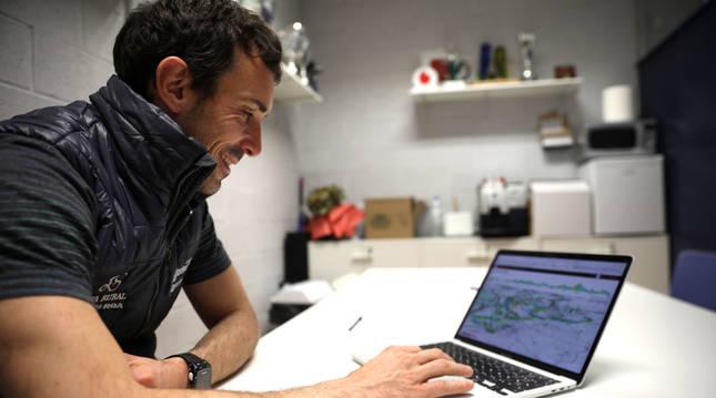 Xabier Muriel, responsable de rendimiento del equipo Caja Rural-RGA, repasa el recorrido del Gran premio Miguel Induráin en Velo Viewer