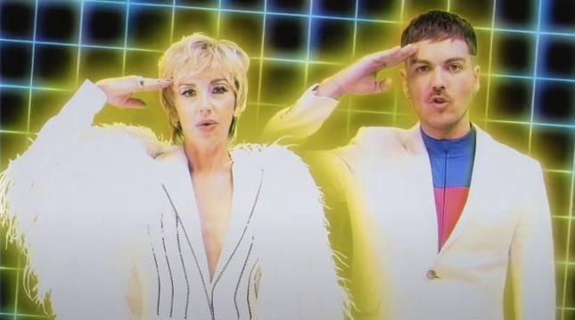 Una imagen del videoclip de 'Punto muerto', de Miss Caffeina y Ana Torroja.