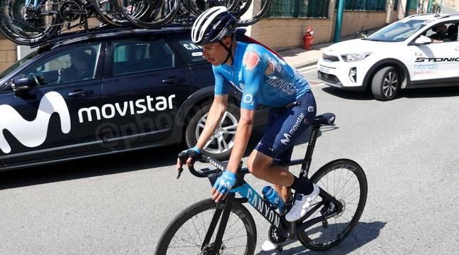 Enric Mas ha optado por abandonar el Gran Premio Miguel Induráin después de sufrir una caída en el segundo paso por Estella.