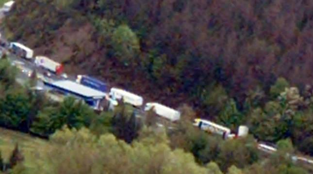 11 kilómetros de retención en la N-121-A entre la frontera y Bera