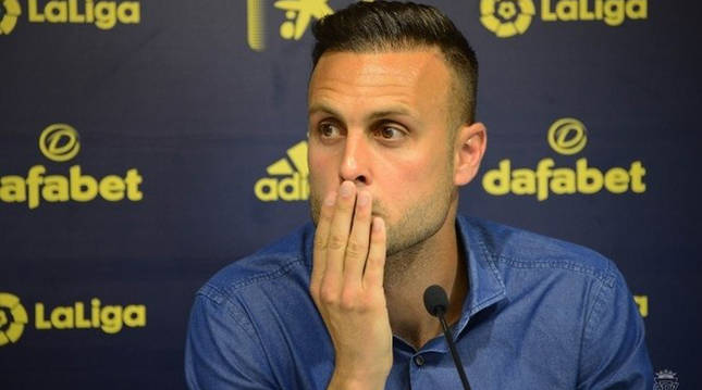 El jugador del Cádiz Juan Cala durante la de prensa en la que negó haber llamado
