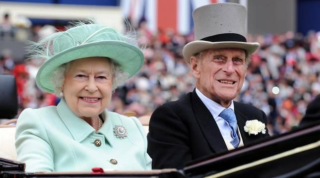El príncipe Felipe, duque de Edimburgo, ha muerto a los 99 años de edad dejando tras de sí un legado de más de siete décadas de apariciones públicas