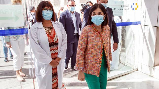 La ministra de Sanidad, Carolina Darias, a su llegada al Hospital Universitario Insular de Las Palmas de Gran Canaria.