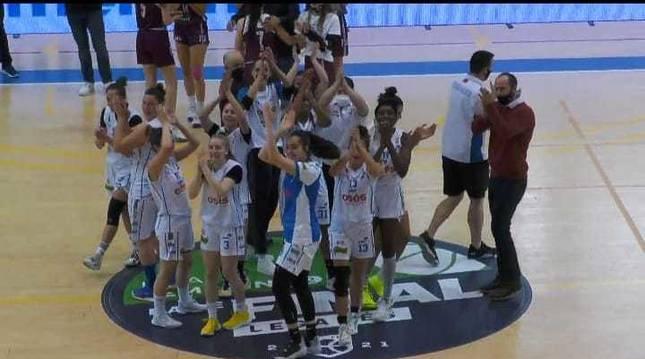El Osés celebra el pase a la final tras el partido.