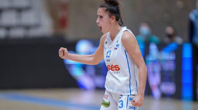 La capitana Itziar Arregui en el último partido de la fase de ascenso ante el Baxi Ferrol.