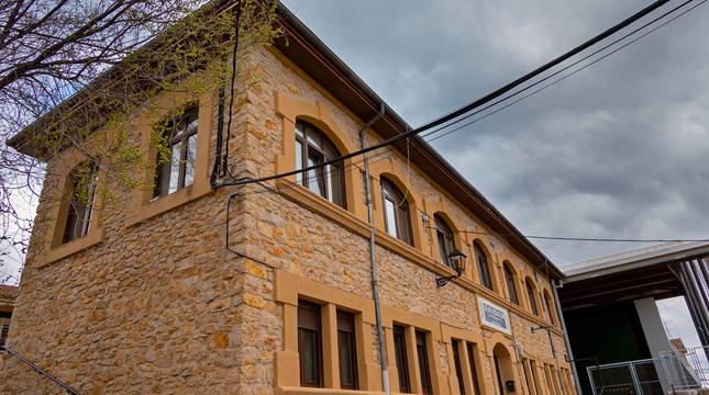 Imagen del colegio público de Lokiz, en Ancín.