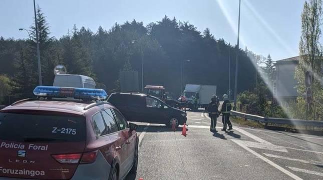 Tres heridos en un accidente en el cruce de Gulina (Navarra).