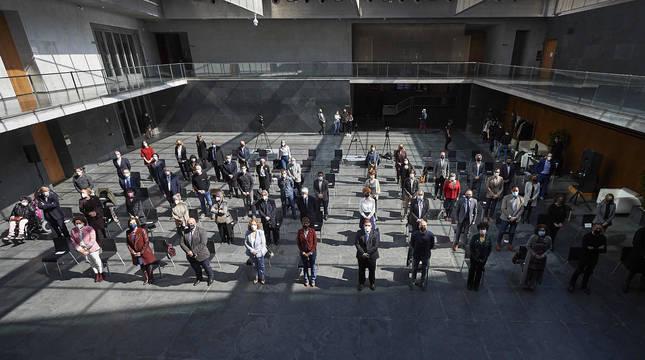 Asistentes al acto de conmemoración del 50 aniversario de Aspace celebrado en el Parlamento